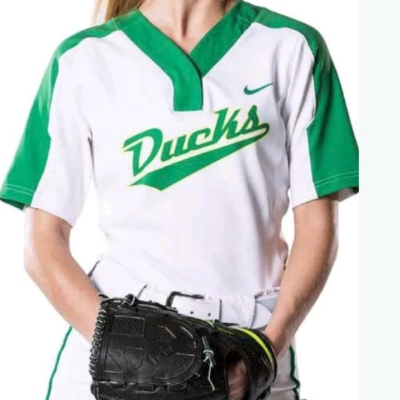 best sneakers bdc3d c7232 New Nike Oregon Ducks Womens Softball Jersey NWT